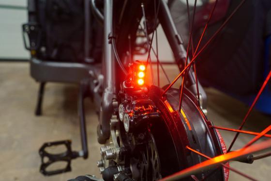 Halterung für Supernova E3 Rücklicht auf dem Bremssattel aus V4A